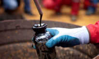 Oil Heads for Third Week of Gains as Output Stumbles