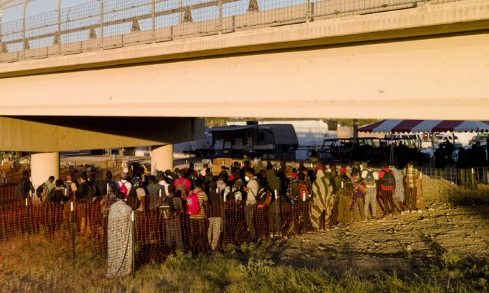 Camp at US-Mexico Border Cleared of Illegal Immigrants: Officials