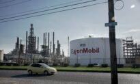 US Oil Refiners Pick Iraqi, Canadian Crudes to Replace Storm Losses: Traders