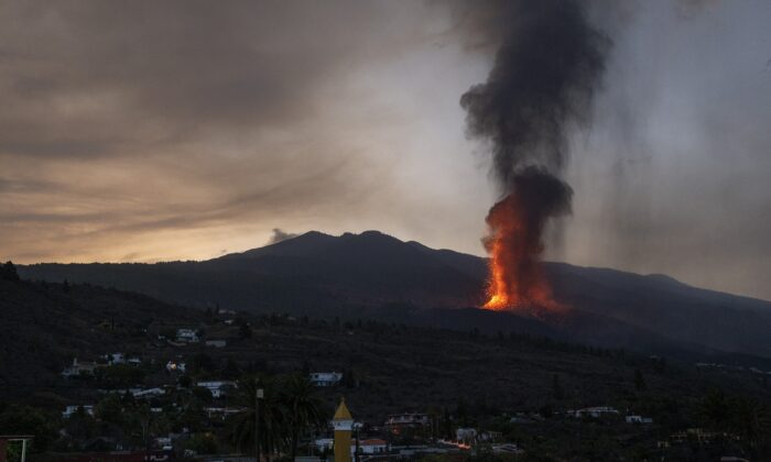Lava flows in an eruption on the island of La Palma in the Canaries, Spain, on Sept. 23, 2021. (Emilio Morenatti/AP Photo)