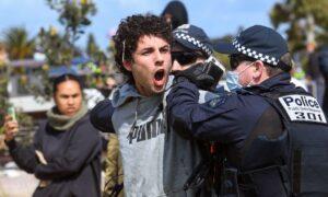 'Safetyism' Driving Australia's COVID-19 Response: Psychiatrist