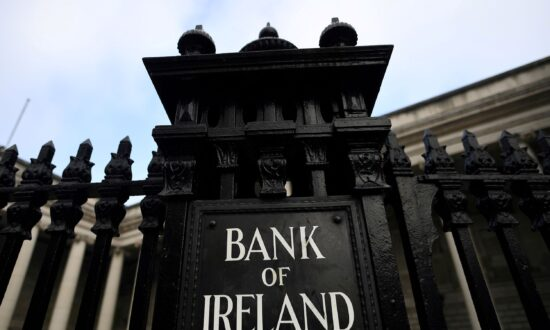 Bank of Ireland Blames Irish Pay Cap as CFO Announces Departure