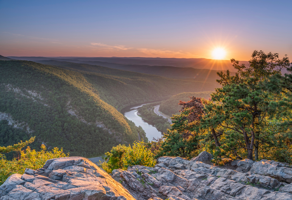 Delaware,Water,Gap,Recreation,Area,Viewed,At,Sunset,From,Mount