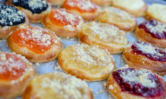 Cookbook author Dorothy Tepera Palmer recommends an apricot filling, made with dried apricots, for kolache-making beginners. (shutterstock/Robert MacDonald)