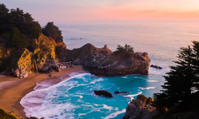 McWay Falls in Julia Pfeiffer Burns State Park in Big Sur, Calif., is one of the unmissable highlights on a West Coast road trip. (Andrew Zarivny/Shutterstock)