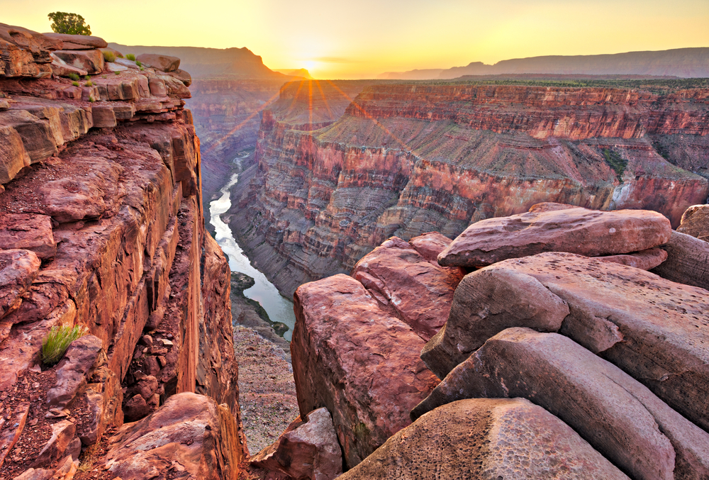 Sunrise,At,Toroweap,In,Grand,Canyon,National,Park.