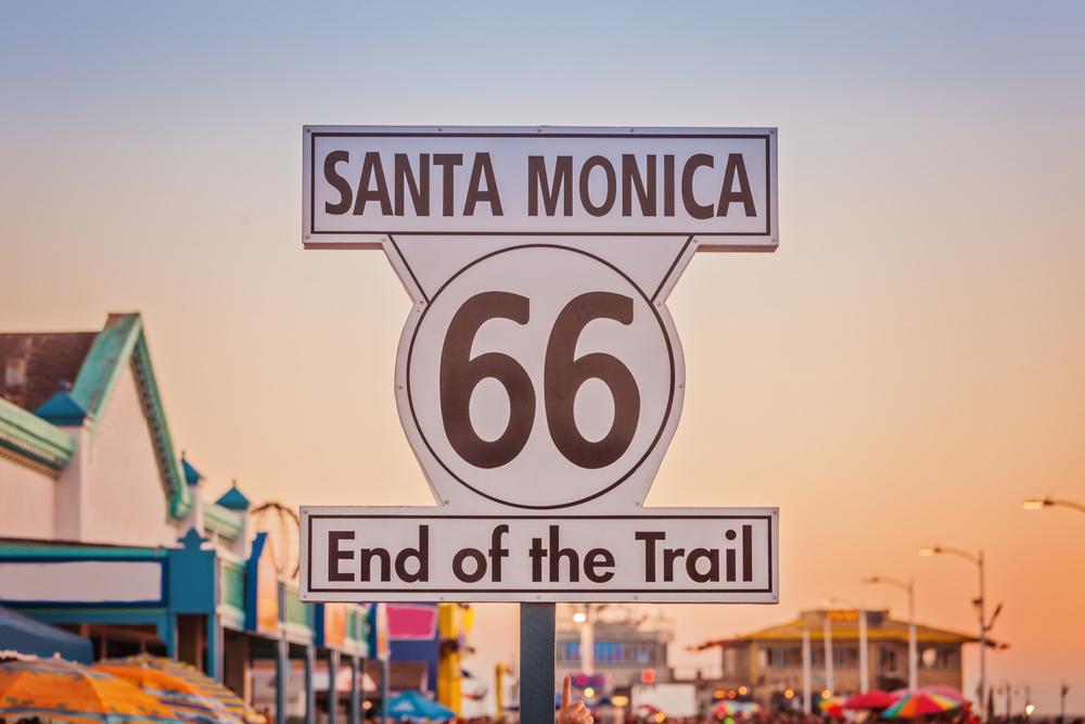 Historic,Route,66,Sign,On,Pierce,Of,Santa,Monica,California