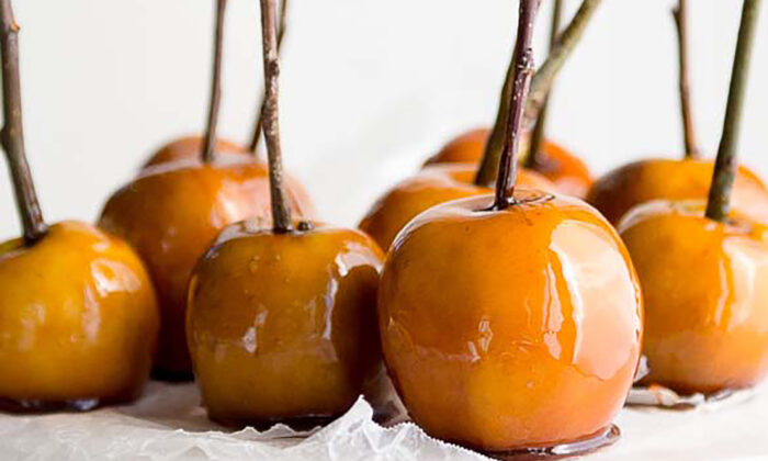 Maple syrup and maple sugar give these candied apples a decidedly rustic sweetness, underscored by notes of toffee. (Jennifer McGruther)