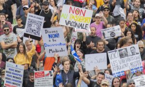 Quebec, Alberta Laws Banning Some COVID Protests Raise Concerns
