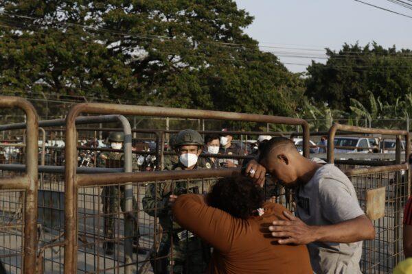 Violence in Ecuadorian prisons
