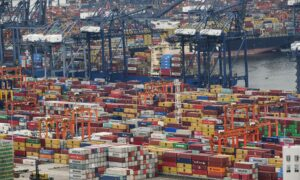 China to US Freight Cost Soared Tenfold Due to Container Shortage