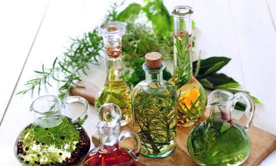 Flavored Vinegars Make Elegant Holiday Gifts