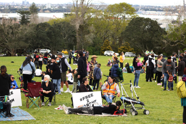 Protesters in Auckland have rallied against the Covid-1V vaccine and the lockdown