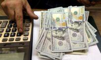 Dollar Looks Set to End Week Down, Yen Nears a 3-Year Low