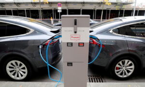 Battery Giants Face Skills Gap That Could Jam Electric Highway