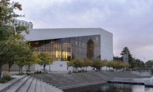 Interior Designer Says Shen Yun Is 'True Art'
