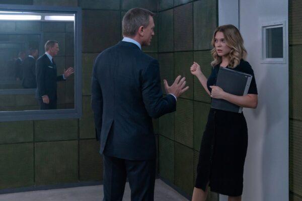James Bond (Daniel Craig) with his love interest Dr. Madeleine Swann (Léa Seydoux)