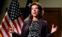US Commerce Secretary Says No Denying Supply Chain Is a Problem