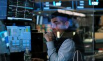 Futures Hold Steady Ahead of September Jobs Data