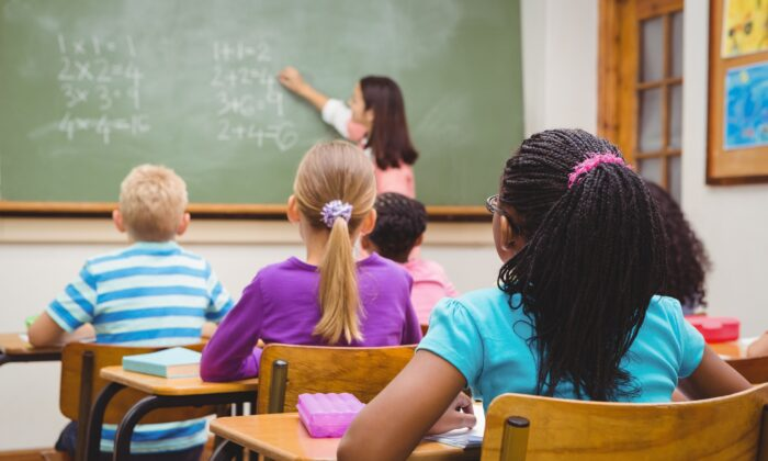 A learning environment consisting of orderly and structured classrooms, teacher-led instruction, and knowledge-rich lessons best fosters creativity and critical thinking. (Wavebreakmedia/Shutterstock)