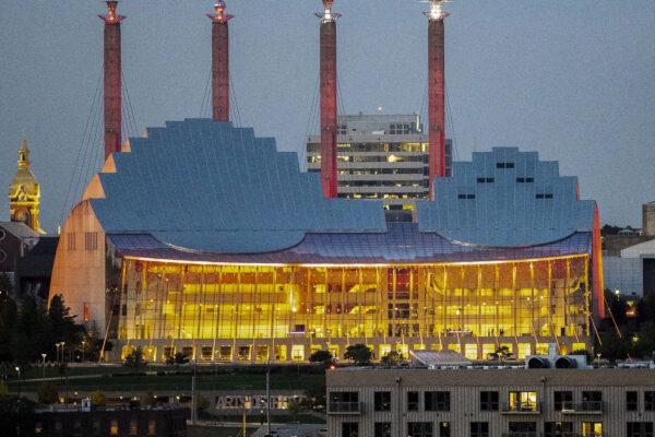 20211009-730pm-Kansas City-HuChen-theater1