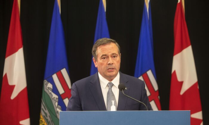 Alberta Premier Jason Kenney gives a COVID-19 update in Edmonton on Sept. 21, 2021. (The Canadian Press/Jason Franson)