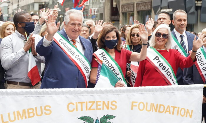 Gov. Kathy Hochul participates in the Columbus Day parade in Manhattan, N.Y., on Oct. 11, 2021. (Enrico Trigoso/The Epoch Times)