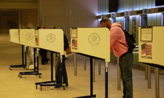 US Lobbyists Compete to Influence Voter Legislation