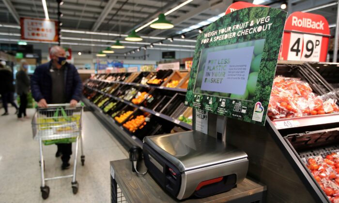 Scales to weigh loose fresh produce are seen in the supermarket Asda in Leeds, Britain, on Oct. 19, 2020. (Molly Darlington/Reuters)