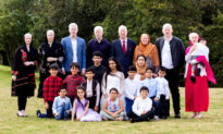 British-Asian Clan With 15 Albinos Might Be the World's Biggest Family With the Condition