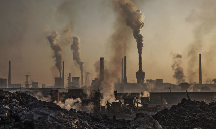 Smoke billows from a large steel plant in Inner Mongolia, China, on Nov. 4, 2016. (Kevin Frayer/Getty Images)