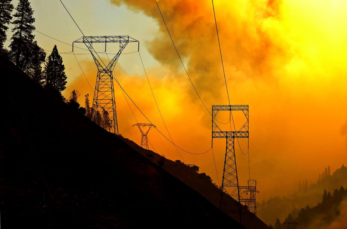 PG&E Shuts Off Electricity for 25,000 People in California Due to Fire Conditions