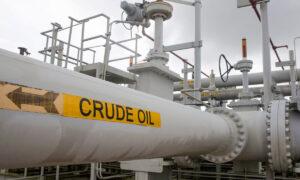 Oil Nears Three-Year High on Energy Crunch Fears