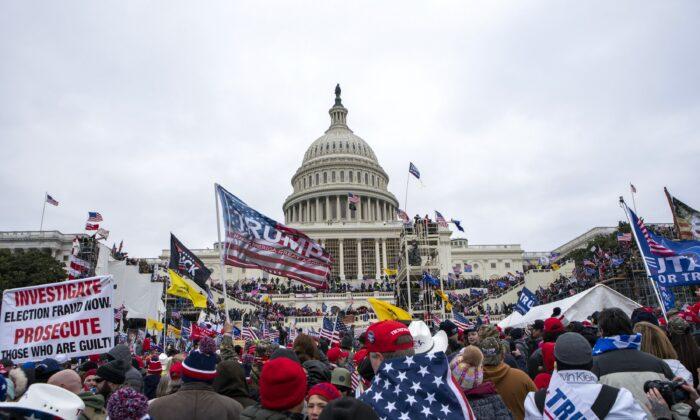 A crowd at the U.S. capitol in Washington on Jan. 6, 2021. (Jose Luis Magana/AP Photo)