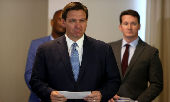 DeSantis Offers Florida Ports to Alleviate Supply Chain Pinch