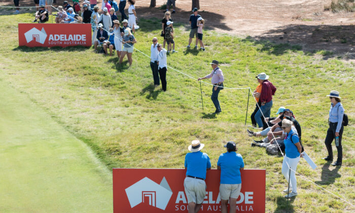 General view of spectators along the 17th day of the 2020 ISPS HANDA Women's Australian Open at Royal Adelaide Golf Club in Adelaide, Australia, on Feb. 16, 2020. (Sue McKay/Getty Images)