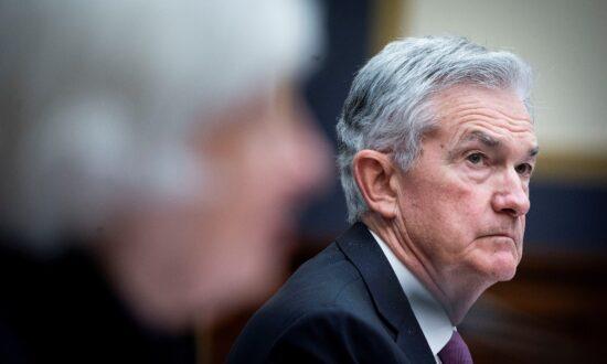 Powell Still Favorite for Fed Reinstatement but Investors Examine Alternatives