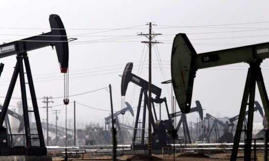 Investors Will Continue to Favour US Oil and Gas Sector Over Canada's: Study