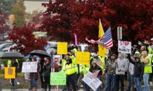 Hundreds of Boeing Workers Protest in Washington State After Company Tells Workers They Must Be Vaccinated