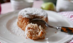 Mini Apple Cakes With Maple Syrup