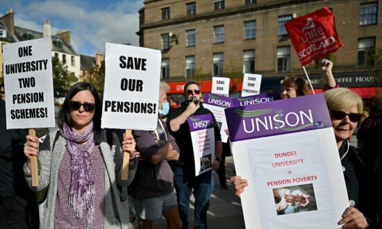 UK Universities Face 'Enormous Disruption' as Staff Balloted for Strike Action
