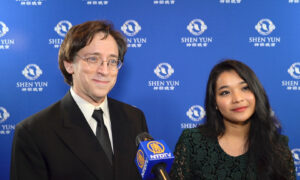 New York #1 Best-Selling Author Finds Inspiration in Shen Yun