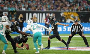 Jacksonville Jaguars End 20-Game Losing Streak Beating the Dolphins