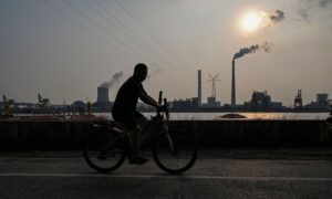 China's Power Crisis Threatens Xi Jinping's Bid to Stay in Power: Expert