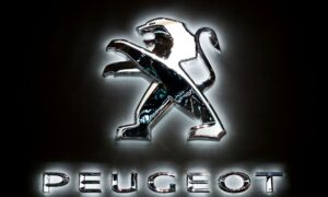 Peugeot CEO Says Nearly 20 Percent of European Sales Through August Electrified