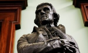 New York City to Remove Thomas Jefferson Statue From City Hall