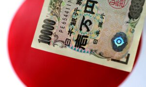 Risk Currencies' Rally Pauses, Yen Recovers, Turkish Lira Sinks
