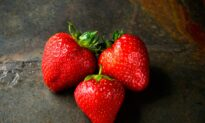 Top 5 Healthy Fruits That You Should Include Daily in Your Diet