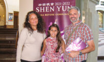 Shen Yun Bridges Ancient With Modern: Consultant