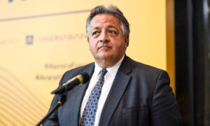 Moderna Chairman Says COVID-19 Booster Could Be Yearly